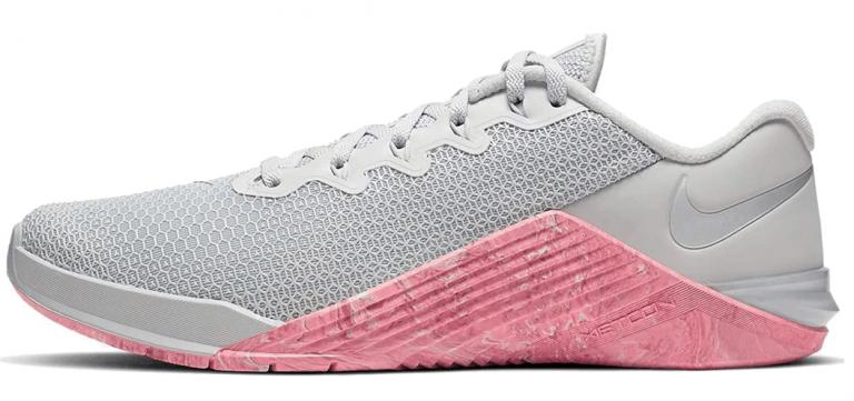 Womens Nike metcon shoes